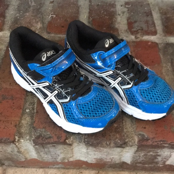 asics boys trainers size 10